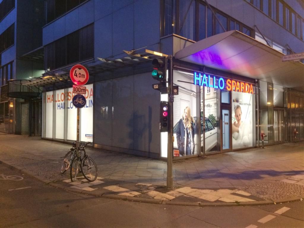 Außenansicht Sparda Bank Filiale Holzmarkstraße Berlin